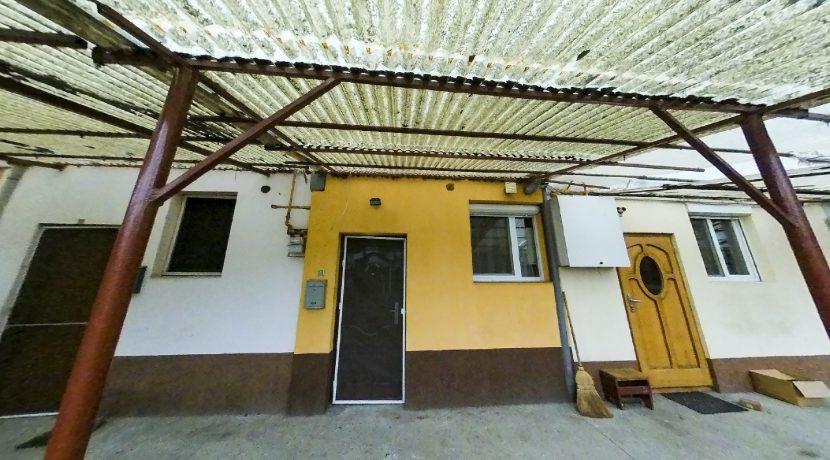 Apartament-birou-casa 2 camere-intrare.