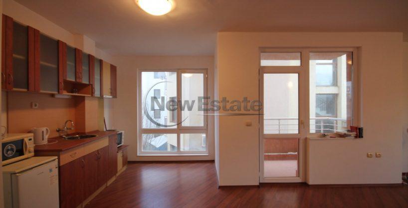 Apartament spatios 2 camere langa mare