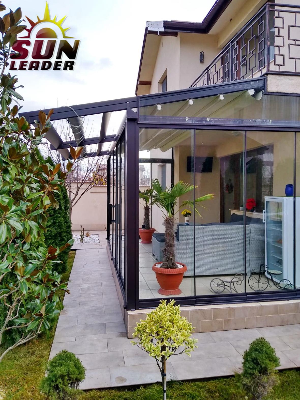 Sistem manual din sticla securizata pentru terase. Terase inchise cu sticla glisanta Sun Leader
