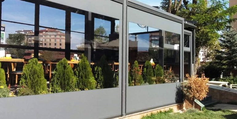 Zipscreen transparent Sun Leader. Folie pentru terase