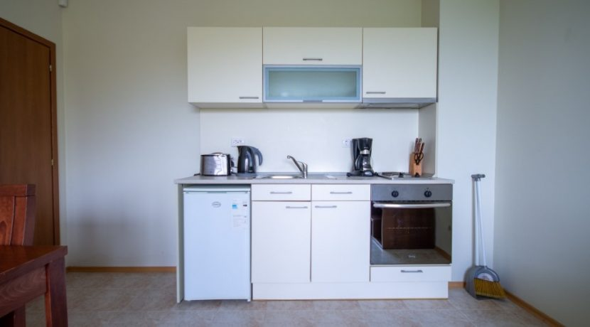 bucatarie-apartament-bulgaria.