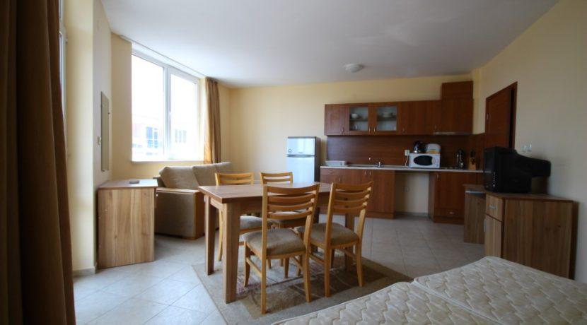 apartament-vanzare-vedere-la-mare-bulgaria (17)
