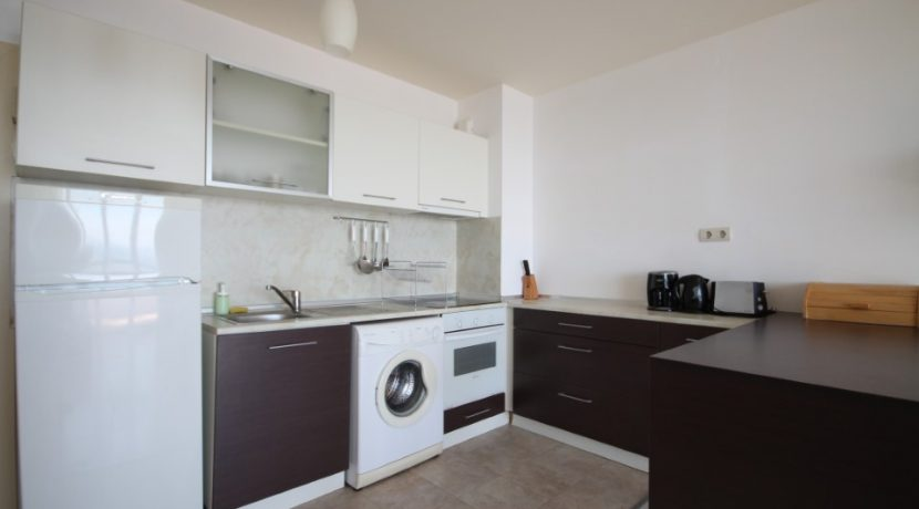 bucatarie-apartament- bulgaria-kavarna