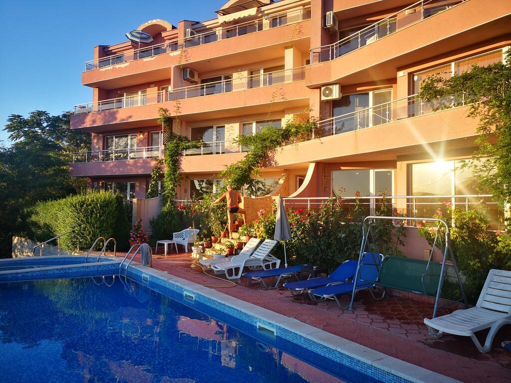 Apartament cu 2 camere mobilat, complex Karia