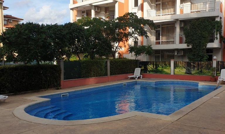 Apartament-3-camere-vanzare-sunny-beach (2)