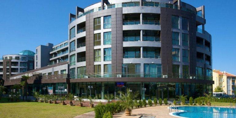 exterior-complex-Plaza (4)
