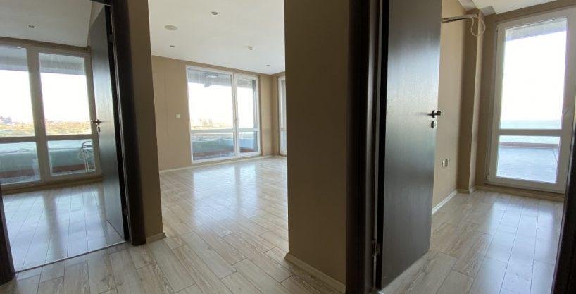 Apartament cu 3 camere spatios, vedere la mare, PARADISO****