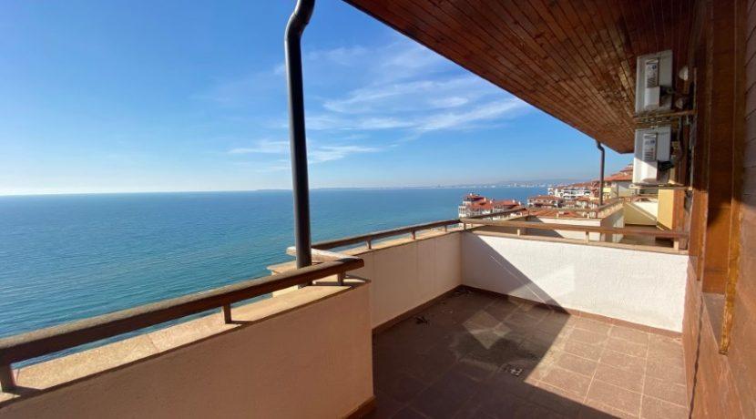 Balcon-apartament-vedere-la-mare-garden-of-eden