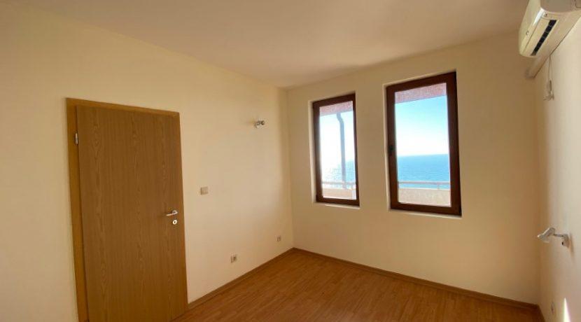 dormitor-apartament-vedere-la-mare-garden-of-eden