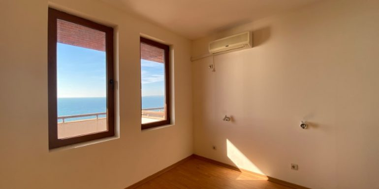 dormitor3-apartament-vedere-la-mare-garden-of-eden