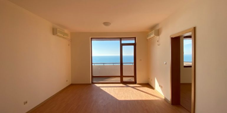 living4-apartament-vedere-la-mare-garden-of-eden