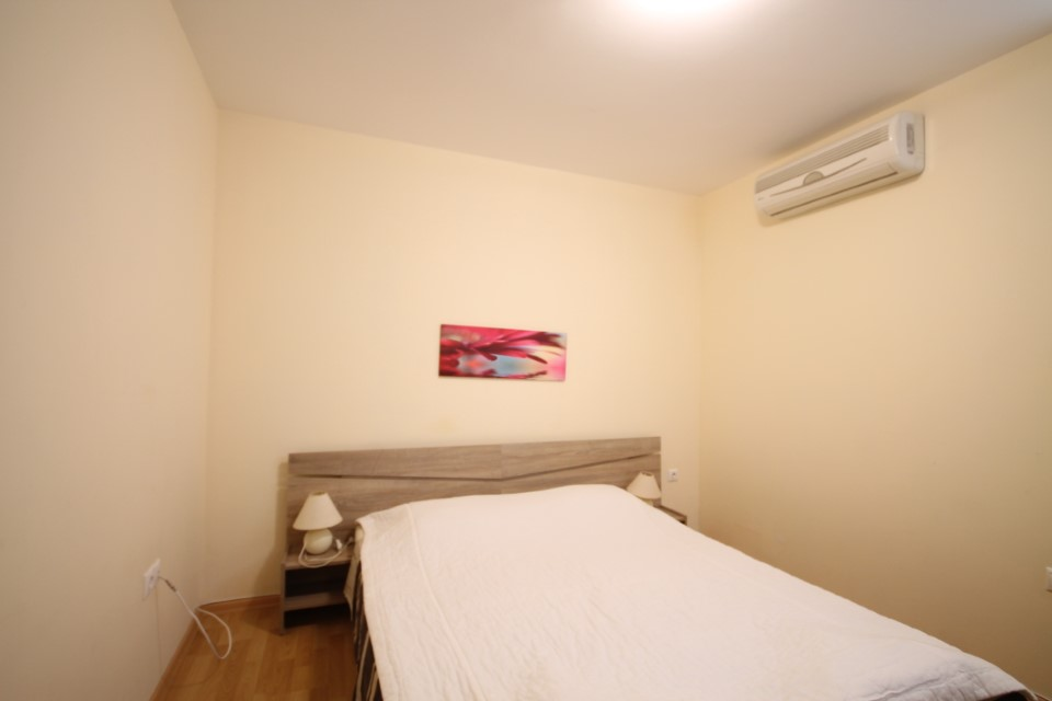 vanzare-apartament-kavarna-dormitor12