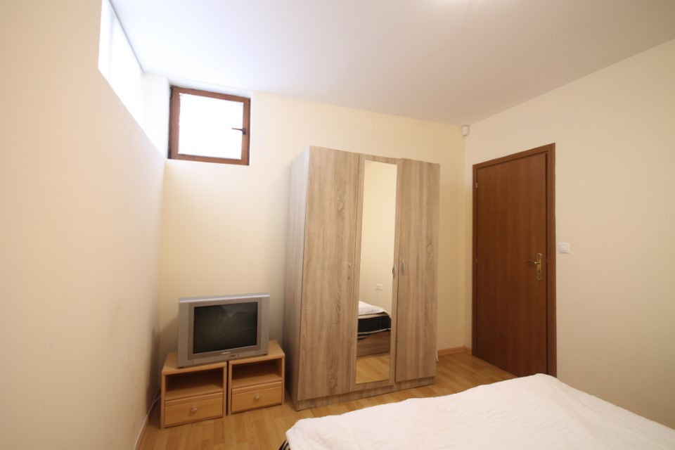 vanzare-apartament-kavarna-dormitor13