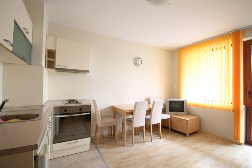 vanzre-apartament-kavarna-paradise
