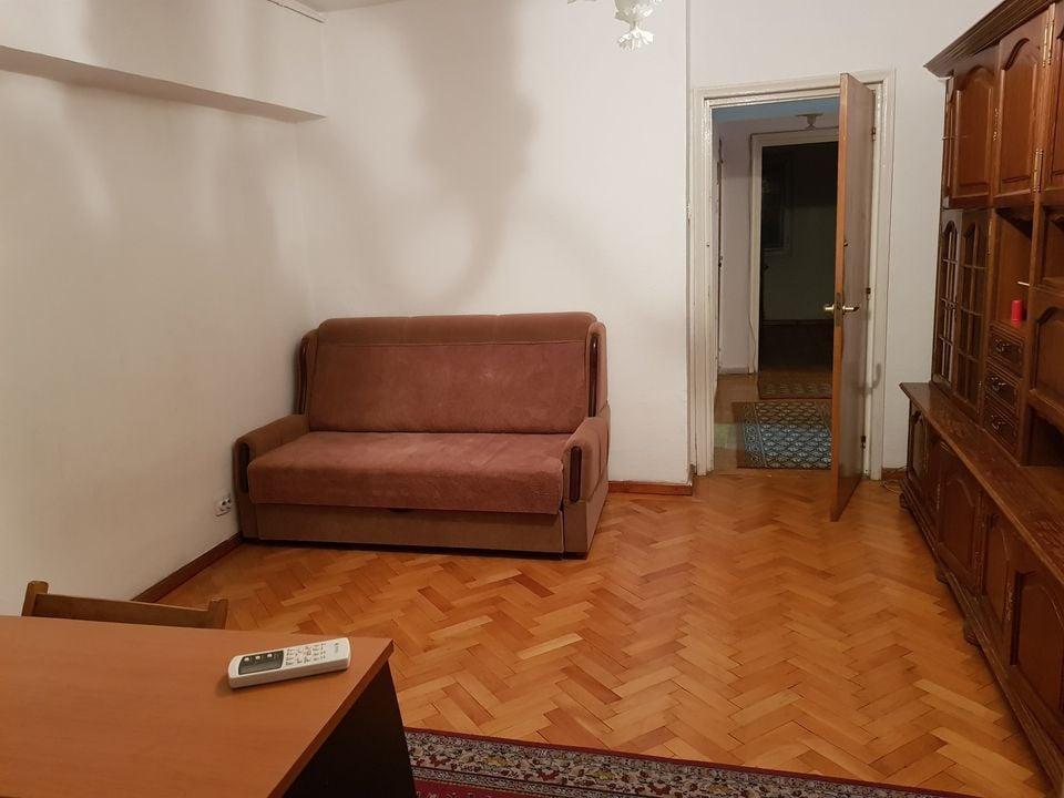 Inchiriere apartament cu 4 camere in zona Unirii