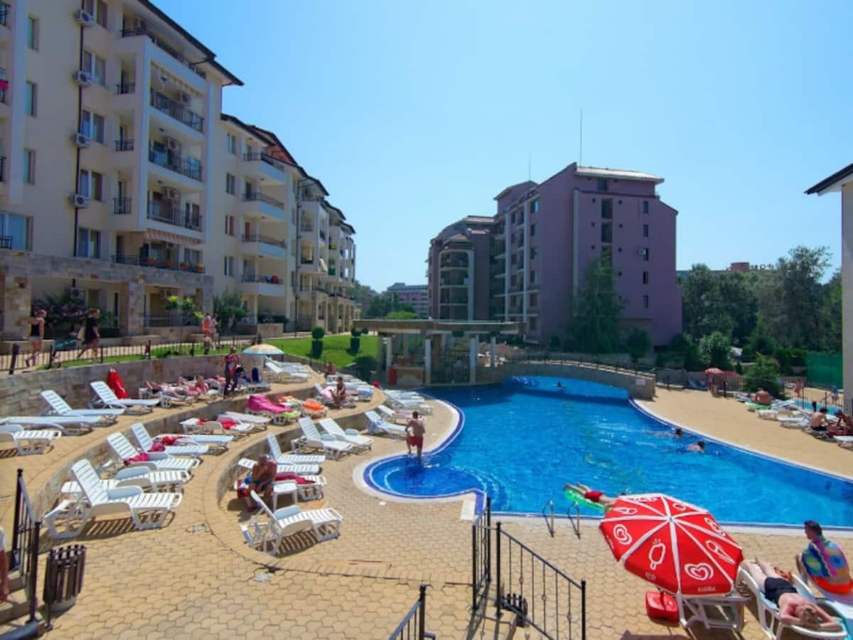 Apartament complet mobilat  cu 2 camere, Sunny Beach Hills